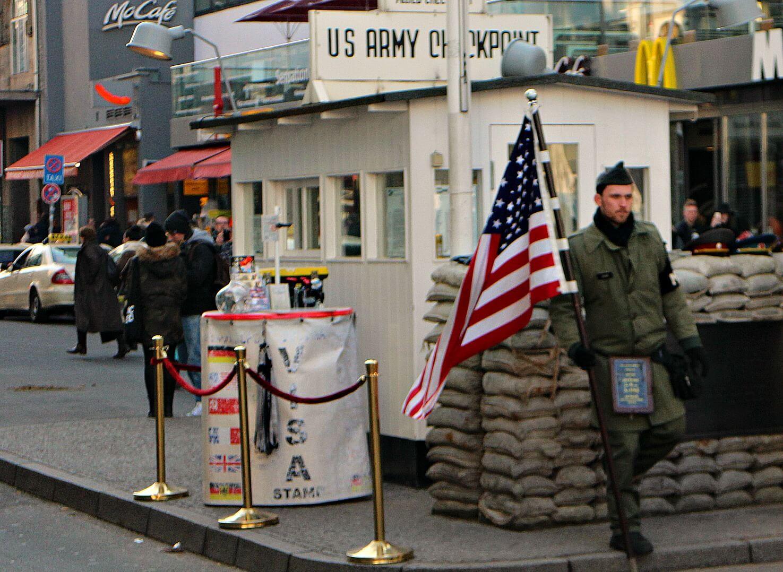 checkpoint-charlie-ijzeren-gordijn