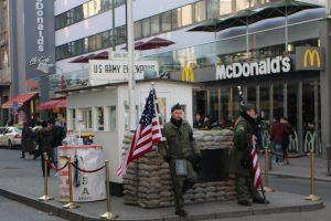 Bezienswaardigheid Checkpoint Charlie Berlijn